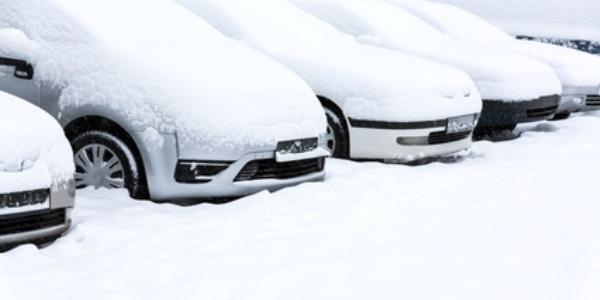 Parken im Schnee