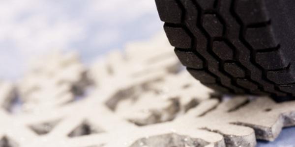 Winterreifen für die sichere PLW Anreise in den Skiurlaub